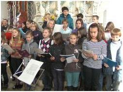 Chor Singt Bei Taufe Grundschule Und Mittelschule